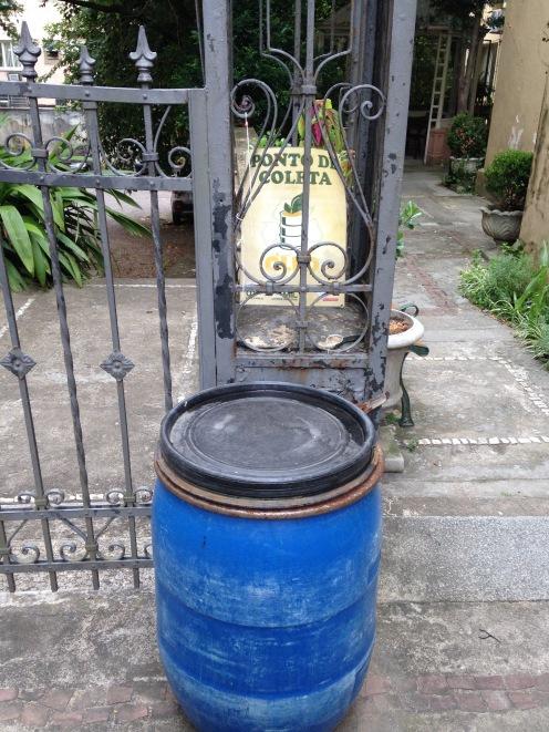 Coletor de óleo de cozinha No Bistrô do Solar (Porto Alegre/RS)